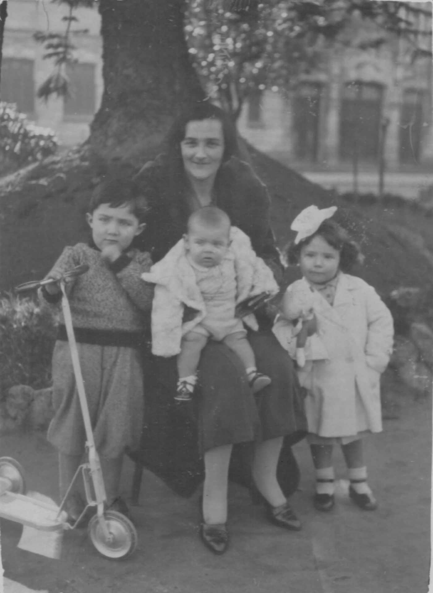Josefina cos fillos antes da sublevación
