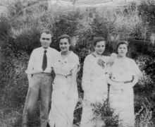 Estrella Portela, Tino Gama, Carmen Portela e unha amiga