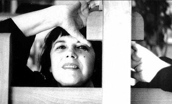 Pontevedra Viva Radio. Do gris ao violeta #9. Mercedes Ruibal