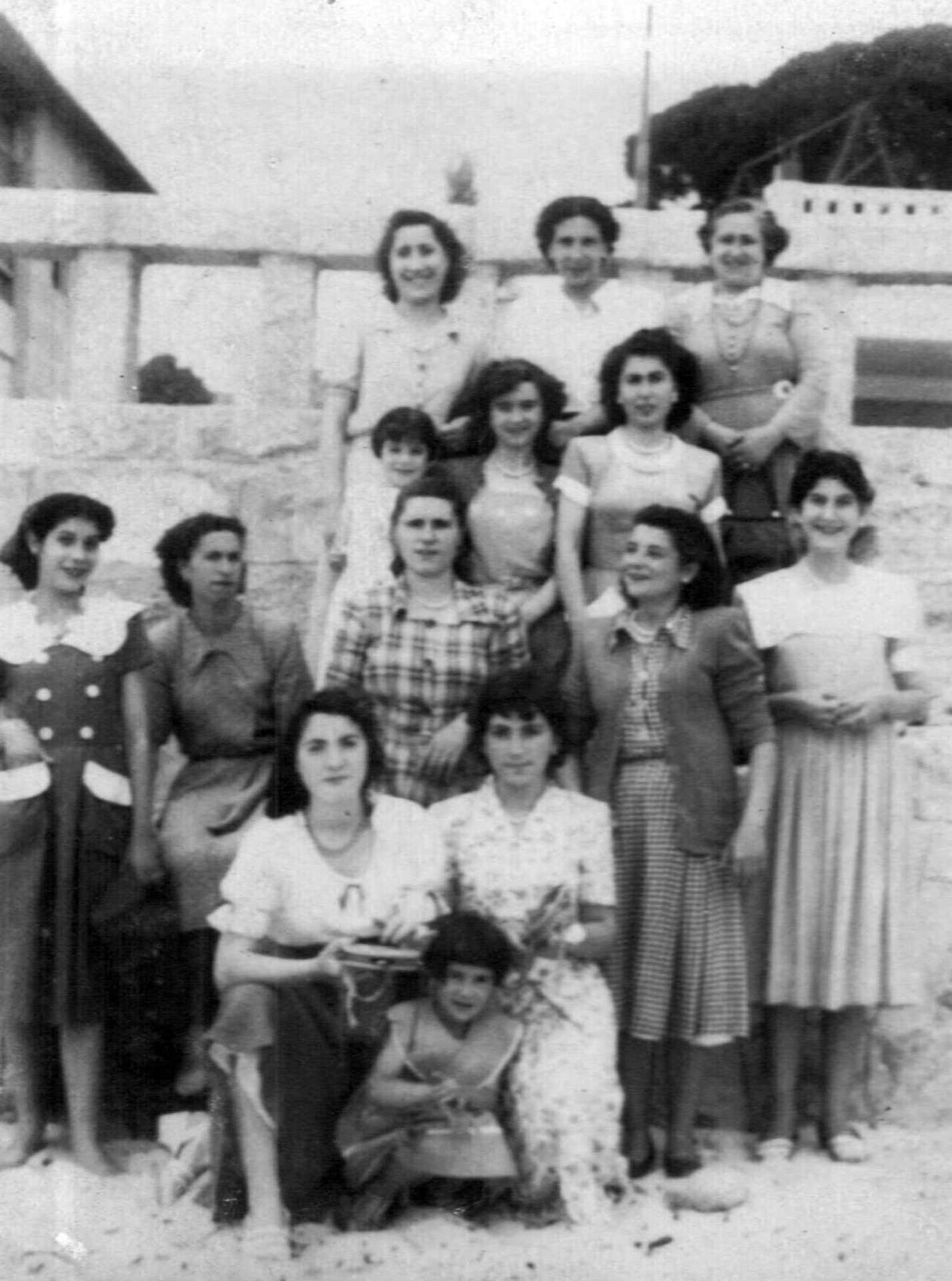 María Luísa Rodríguez Pereira e outras modistas