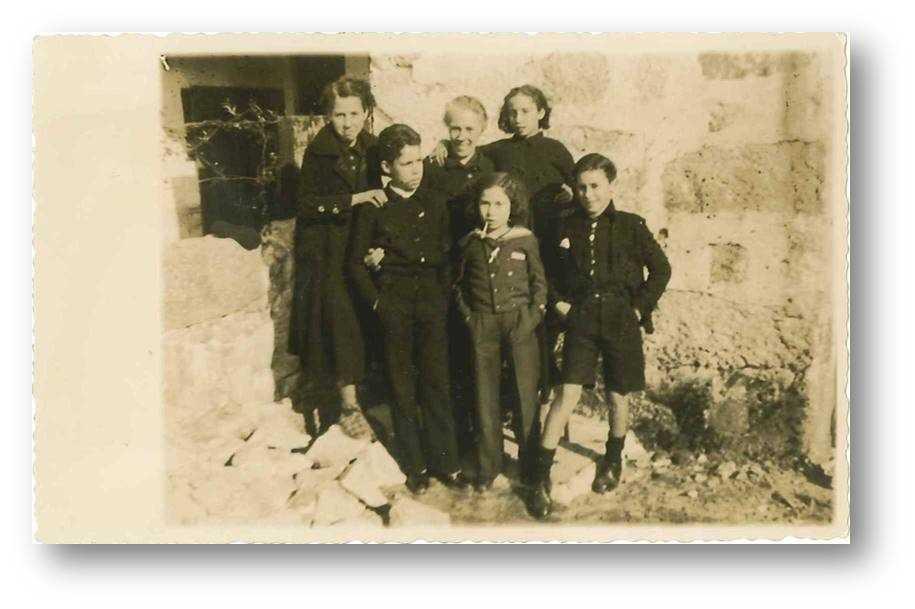 Isabel Gómez Costas e a descendencia no Porto