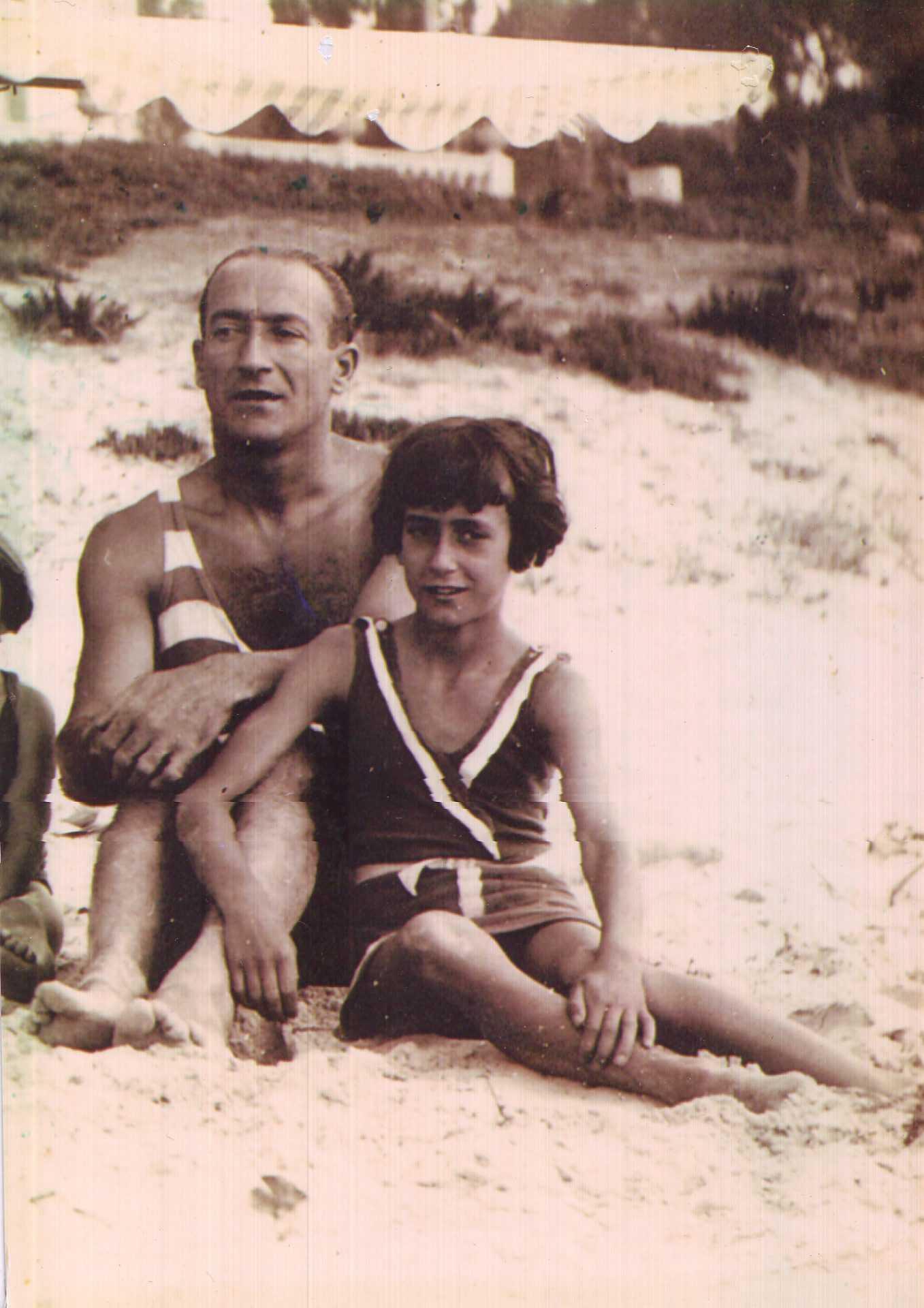 Alfonso e a súa filla Narda. Fondo Narda Rodrigo. Proxecto nomesevoces.net Grupo Histagra-USC
