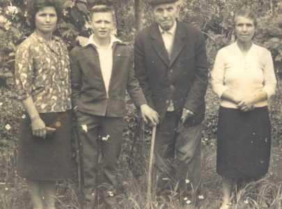 Celia Reboredo, a Ghimarana, situada na esquina á esquerda.