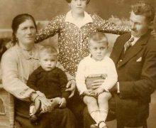 Dolores Castro coa familia