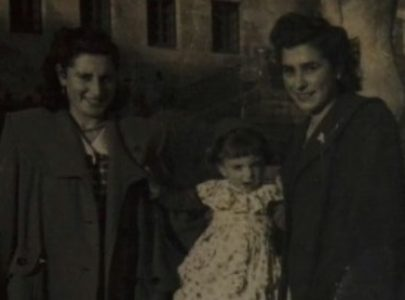 Lisa Licer con Charo, filla de Emma Mourón, e Rosamari