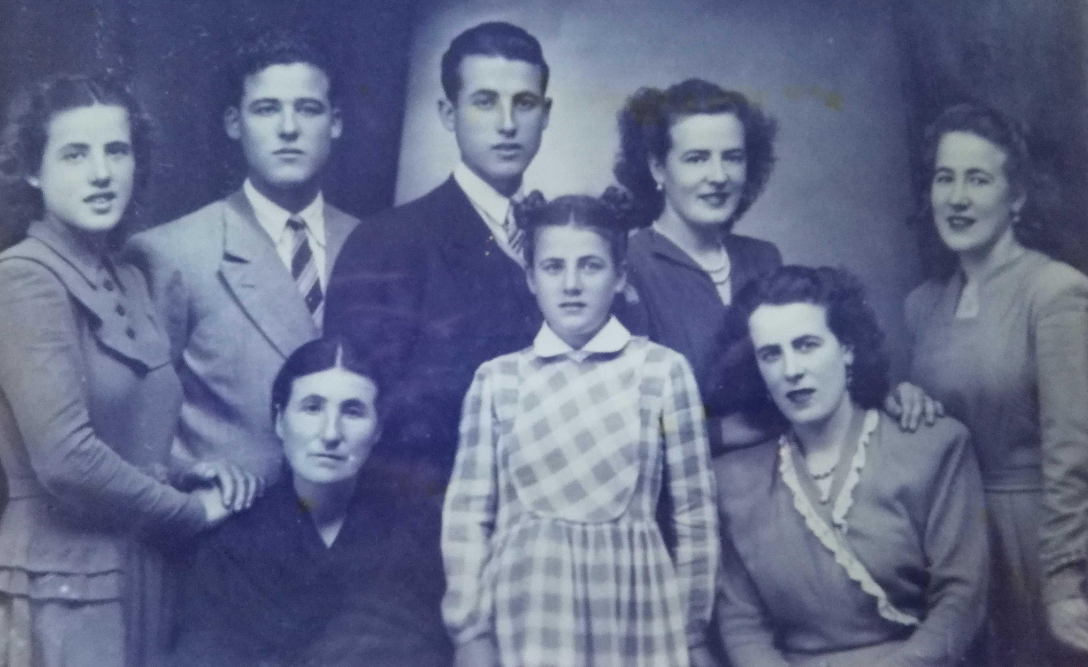 Arminda Calvo de nova coa súa familia