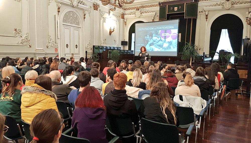5 Charla e presentacion da exposicion no edificio da Deputacion de Pontevedra Foto da web de ARELAS